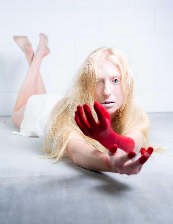 blond model Emma Hutton